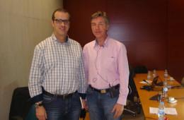 Con Theo Bouman